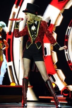 """Performing """"We Are Never Ever Getting Back Together"""" at the 2012 MTV Europe Music Awards held at Festhalle Frankfurt in Frankfurt, Germany Live Taylor, Taylor Swift Pictures, Taylor Alison Swift, Swift Tour, Swift 3, Red Tour, Mtv, Role Models, My Girl"""