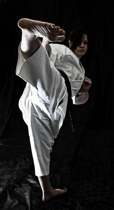 Ashi gatana Kung Fu Martial Arts, Martial Arts Women, Female Martial Artists, Ju Jitsu, Karate Girl, Beautiful Athletes, Female Fighter, Victoria Justice, Taekwondo