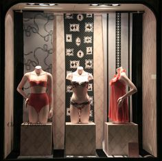 Janvier 2014 Vitrine Boutique Chantal Thomass 211 Rue Saint Honoré Paris #ChantalThomass #Lingerie #Paris