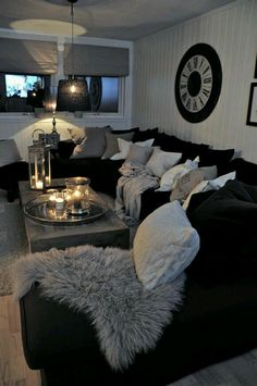 Cozy living room decor sectional ideas inspirational black and white living room interior design ideas home Living Room White, Cozy Living Rooms, Home And Living, Small Living, Modern Living, Black White And Grey Living Room, Living Room Goals, Black Room Decor, Black And White Living Room Decor