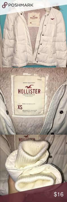 Hollister white puff coat White coat from Hollister. Faux fur hood that is removable via zipper. Slight wear on sleeve cuffs. Otherwise, in great condition and clean. Size S. Hollister Jackets & Coats Puffers