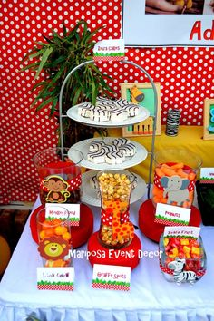 Jungle, Safari, Animals, lion Birthday Party Ideas | Photo 3 of 30 | Catch My Party