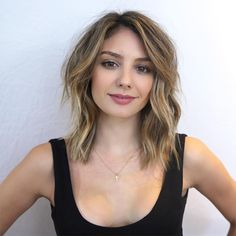 Women, Cropped Top: Modern Shag Haircut