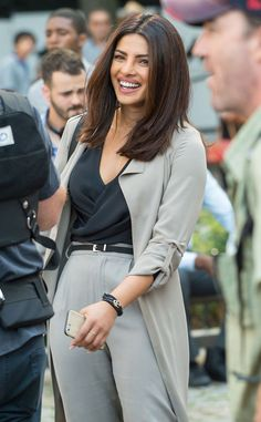 Priyanka Chopra from The Big Picture: Today's Hot Pics The Quantico actress is spotted enjoying her time on set in midtown, New York City. I am loving this cut! I think this May be my Fall 2016 look ;)