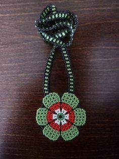 Collares con dijes - Collar huichol margarita - hecho a mano por scrilop en DaWanda