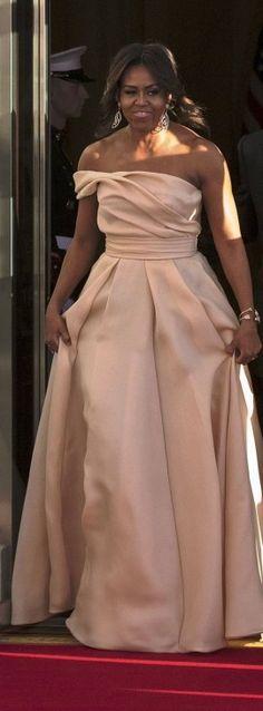 Vestidos de festa 2017 inspire-se com Michelle Obama