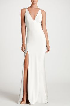 Dress The Population knows you want to look your best on your big day. With a variety of bridal styles in stunning fabrics, be the bride of your dreams with Dress The Population. Slit Wedding Dress, Making A Wedding Dress, Luxury Wedding Dress, Sexy Wedding Dresses, Wedding Gowns, Formal Dresses, Cream Bridesmaid Dresses, Wedding Venues, White Evening Gowns