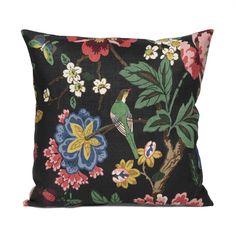Svenskt Tenn's classic cushions are loved all over the world; This linen cushion has the Pomegranate Tree print. Floor Cushions, Cushions On Sofa, Throw Pillows, Bird Prints, Floral Prints, Traditional Cushions, Classic Cushions, Unique Sofas, Textiles