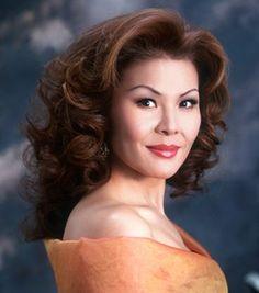 Hong Hei-Kyung- ( 4.Juli 1959- ) ist eine südkoreanisch-amerikanische lyric Soprano.