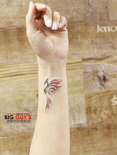 Petit tatouage Phoenix, - Petit tatouage Phoenix, The Effective Pictures - Phoenix Tattoo Girl, Phoenix Tattoo Feminine, Small Phoenix Tattoos, Phoenix Tattoo Design, Wrist Tattoos For Guys, Small Wrist Tattoos, Tattoo Small, Ankle Tattoos, Mini Tattoos