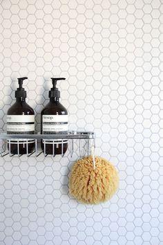 White hexagon (penny) tile - bathroom wall w/ minimalist chrome hardware Hex Tile, Penny Tile, Hexagon Tiles, Honeycomb Tile, Tiling, Hexagon Mosaic Tile, Geometric Tiles, Hexagon Tile Bathroom, Small Bathroom Tiles