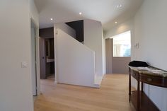 escalier classique complément habillé de mdf parquet massif Divider, Mirror, Room, Furniture, Home Decor, Bedroom Office, Classic, Modern, Bedroom