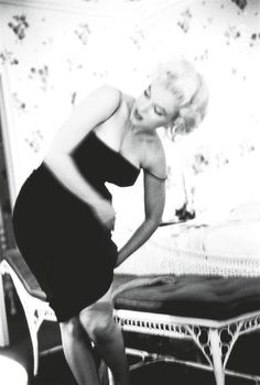 Marilyn in her suite at the Ambassador Hotel in New York. Photo by Ed Feingersh, March 1955.