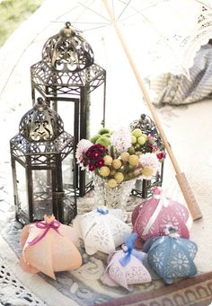These paper lanterns by Papaver are gorgeous