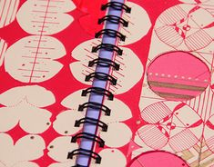 Diseño: Libro de Oro de Hermenegildo Zampar on Behance Editorial, Quilts, Blanket, Behance, Bag, Woman Dresses, Sewing Lessons, Book Design, Sewing Patterns