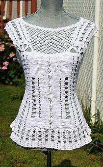 Fabulous Crochet a Little Black Crochet Dress Ideas. Georgeous Crochet a Little Black Crochet Dress Ideas. T-shirt Au Crochet, Cardigan Au Crochet, Pull Crochet, Mode Crochet, Crochet Shirt, Crochet Woman, Crochet Crafts, Hand Crochet, Crochet Stitches