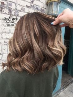 100 New Short Hairstyles for 2019 – Bobs and Pixie Haircuts, Today's article is all about 100 new short hairstyles for 2019 We all pretty sure that long hair is not the best option for each lady to be most fem…, Hairstyle Ideas - Hair Cutting Style Short Hair Model, Short Hair With Bangs, Short Curly Hair, Short Hair Cuts, Curly Hair Styles, Pixie Cuts, New Short Hairstyles, Hairstyles With Bangs, Pixie Haircuts