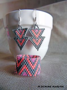Etsy - Shop for handmade, vintage, custom, and unique gifts for everyone Miyuki Beads, Brick Stitch Earrings, Gris Rose, Triangles, Experiment, Beadwork, Friendship Bracelets, Charms, Etsy