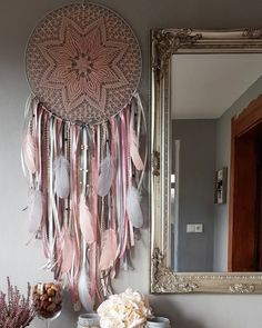 Lapac snu Theres Beautiful Dream Catchers, Interior Design Living Room, Christmas Decorations, Diy Crafts, Ceiling Lights, Dreamcatchers, Handmade, Spirit, Decor Ideas