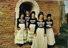 traditional friesian people - Google Search Folklore, European Costumes, Sunday Dress, Friesian, Special Dresses, Love Pictures, Different Patterns, Dress Patterns, Sewing Patterns