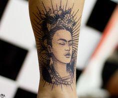 Frida kahlo tatoo