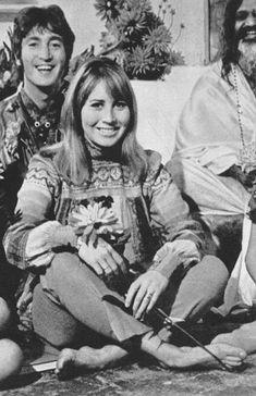 cynthialennon-daily John y Cynthia Lennon con el Maharishi 1967