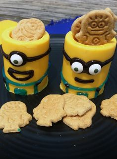 Snacktastic Yellow Chocolate Minions Cups