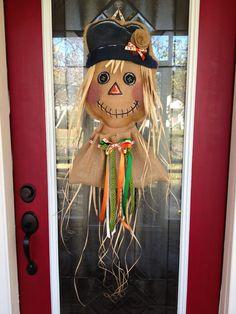 100 Custom Made to Order Burlap Scarecrow Door by BHoweryCreations Burlap Projects, Burlap Crafts, Ribbon Crafts, Fall Crafts, Crafts To Make, Burlap Door Hangings, Diy Wreath, Burlap Wreaths, Halloween Door Hangers