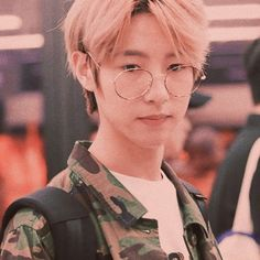 huang renjun I Have No Friends, Huang Renjun, Kpop Aesthetic, Taeyong, Boyfriend Material, Nct Dream, Nct 127, Beautiful Images, Boy Groups