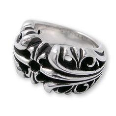 2013 New Style Chrome Hearts Scroll Band Silver Ring for Sale Chrome Hearts Scroll Band Ring 2013 Classic Style Versatile vogue item for fashion guys,make a deep impression with this chrome hearts silver ring,that has become a forever classic in accessory fashion world. chrome hearts ring scroll band Spec. * Width: 4mm * Thickness 4mm * Material: Silver925 http://www.chromeheartsonlineoutlet.com/