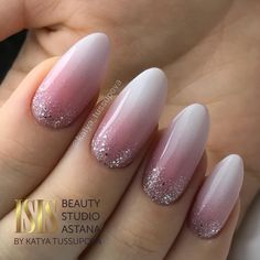 How to choose your fake nails? - My Nails Bride Nails, Wedding Nails, Gold Wedding, French Nail Designs, Nail Art Designs, Nails Design, Holiday Nails, Christmas Nails, Fake Nails French