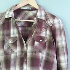 I just discovered this while shopping on Poshmark: Plaid Western Button-Up. Check it out! Price: $18 Size: M