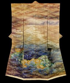 """chiku Kubota [during the 1970's and 80's] made his artistic Kimono inspired by Tsujigahana, a long lost XVIth century technique he spent 30 years re-inventing, to create """"Itchiku Tsujigahana"""".  After many trials and errors, at age 60, Itchiku finally discovered a technique to revive Tsujigahana which he named """"Itchiku Tsujigahana"""" : a perfect marriage between past and present as homage to a historical and admired technique."""