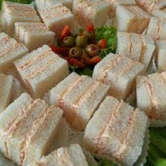 sanwichitos 9 picaderas dominicanas para tu fiesta de Super Bowl