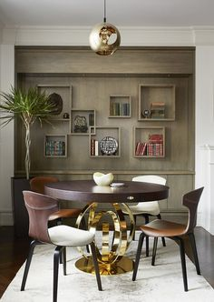 Discover dining room chairs ideas and inspiration for your dining decor, layout, furniture and storage. Dining Decor, Dining Room Design, Dining Room Chairs, Dining Room Furniture, Dining Rooms, Decor Room, Living Room Decor, Home Decor, Wall Decor