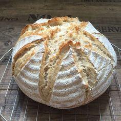 """Heute morgen habe ich wieder ein Brot gebacken. Das """"Rezept"""" dafür ist bisher nicht auf meinem Blog zu finden, aus einem ganz einfach Grund ..."""