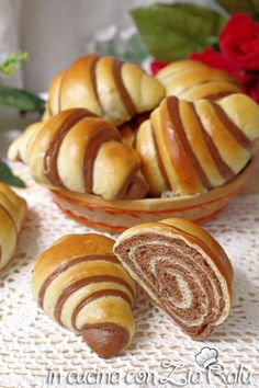 Bread Bun, Croissants, Pretzel Bites, Biscotti, Bakery, Muffin, Good Food, Sweets, Desserts