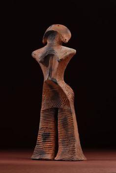 """西ノ前土偶 """"Nishinomae"""" clay figure, 4,500 years ago, national treasure"""