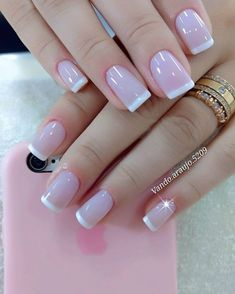 The French girl nails are one of the most classic styles of nail art that exist. Learn to draw them and also how to innovate in manicure! French Tip Nail Designs, French Tip Nails, Nail Art Designs, Nail French, French Manicures, Nails Design, Classy Nails, Trendy Nails, Perfect Nails