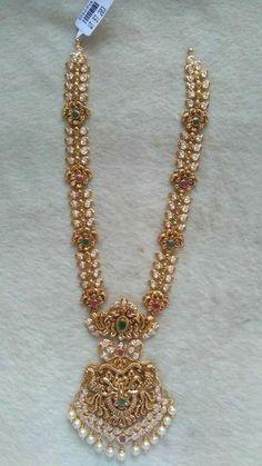 Gold Jewelry In Pakistan Jewelry Design Earrings, Gold Earrings Designs, Gold Jewellery Design, Beaded Jewelry, Gold Designs, Quartz Jewelry, Body Jewellery, Latest Jewellery, Jewelry Stand