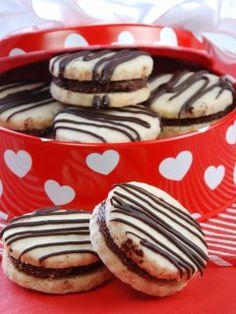 Alfajores de almendra y chocolate - Alejandra Bonells