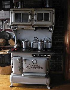 House Tour: Vintage DIY Home on Mystery Island