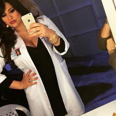 #MariaMazza Maria Mazza: Vi aspetto tra pochissimo con #avantiunaltro #me #mariamazza #dottoressa #mediaset #canale5 #work #top #like #love #follow @gerryscotti