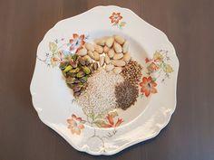 Happylobster: Mökkipääsiäinen Halloumi, Missoni, Napkins, Plates, Tableware, Kitchen, Licence Plates, Dishes, Dinnerware