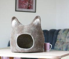 Maison de chat lit  grotte de chat  chat  respectueux par AgnesFelt