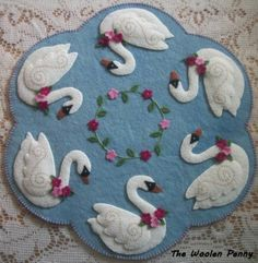 ~ Swans ~ Penny Rug Candle Mat Table Runner Spring Swans Flowers Wool Wool Applique Quilts, Wool Quilts, Wool Applique Patterns, Felt Applique, Wool Embroidery, Penny Rug Patterns, Felt Patterns, Wool Art, Felt Christmas