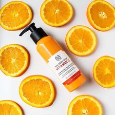 The Body Shop Vitamin C Glow Revealing Liquid Peel sloughs away dull, tired skin with potent Camu Camu Berry (which has 60 times more Vitamin C than an orange) for a healthy glow that can't be beat*. 26 New Beauty Products You Need To Try ASAP The Body Shop, Body Shop At Home, Natural Hair Treatments, Skin Treatments, Acne Treatment, Vitamin C, Body Shop Skincare, Body Shop Products, Berry