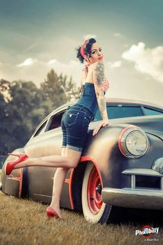 hot rods, bikes , pin up girls and anything else that I think is cool. Rockabilly Mode, Rockabilly Fashion, Retro Fashion, Pin Up Girls, Car Girls, Hot Rods, Vintage Pin Ups, Vintage Girls, Retro Vintage