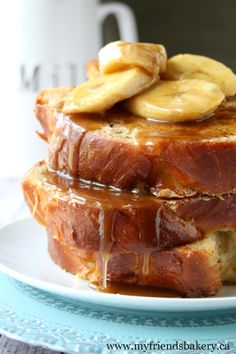 Bananas Foster French Toast. My gosh, this looks so good! I definitely want to try that egg mix she uses. And bananas foster topping?? Yes, please!