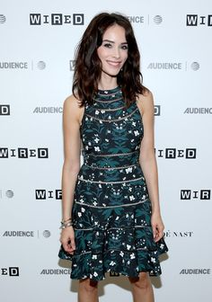 Abigail Spencer Photos - Actress Abigail Spencer of 'Timeless' at 2017 WIRED Cafe at Comic Con, presented by AT&T Audience Network on July 20, 2017 in San Diego, California. - 2017 WIRED Cafe At Comic Con, Presented By AT&T Audience Network - Day 1